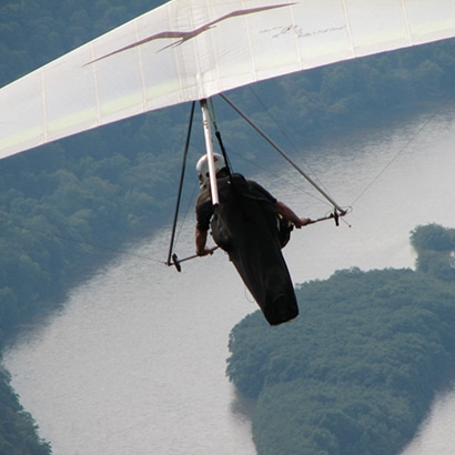 Invigorating Getaway- Hang Gliding