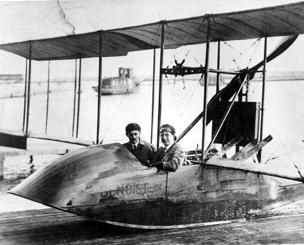 Tony Jannus piloting the Benoist flying boat